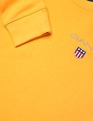 GANT - D1. MEDIUM SHIELD SWEAT C-NECK - sweatshirts - solar power yellow - 2