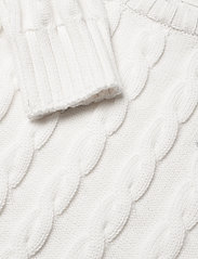 GANT - COTTON CABLE CREW - knitwear - eggshell - 2