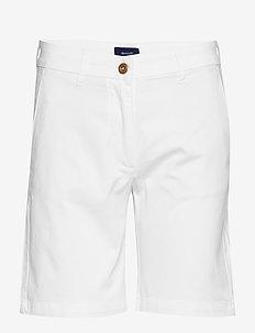 D1. CLASSIC CHINO SHORTS - chino shorts - white