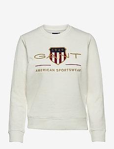ARCHIVE SHIELD C-NECK SWEAT - sweatshirts - eggshell
