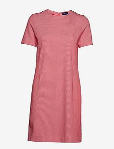 O1. JERSEY PIQUE DRESS - WATERMELON RED