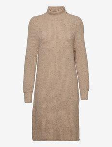 D2. NEPS DRESS - sukienki dopasowane - cream