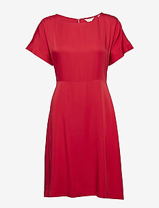 G3. SILKY DRESS - RED