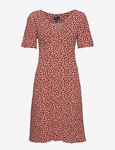 D2. SUMMER FLORAL DRESS - IRON RED