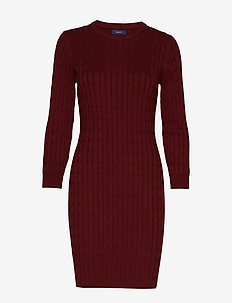 STRETCH COTTON CABLE DRESS - PORT RED