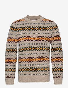 D2. TEXTURED FAIRISLE CREW - knitted round necks - almond melange