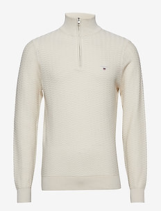 O2. HERRINGBONE TEXTURE HALFZIP - PUTTY