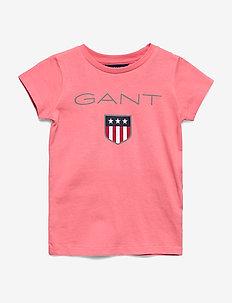 GANT SHIELD LOGO SS T-SHIRT - logo - strawberry pink