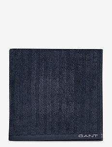 LINE TOWEL 70X140 - handdukar - sateen blue