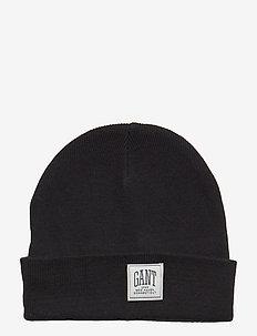 O1. SOLID KNIT HAT - BLACK