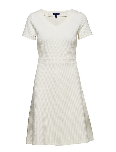 O1. Textured Flared Dress Kurzes Kleid Weiß GANT