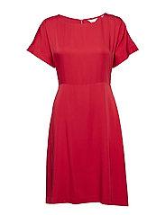 G3. SILKY DRESS - RED