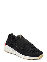 Delyn Sneaker - BLACK