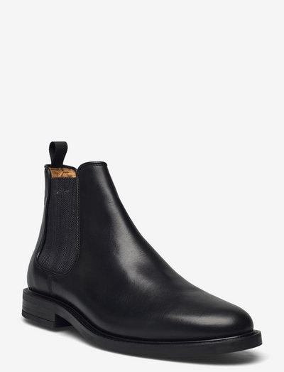 St Akron Chelsea Boot - chelsea boots - black