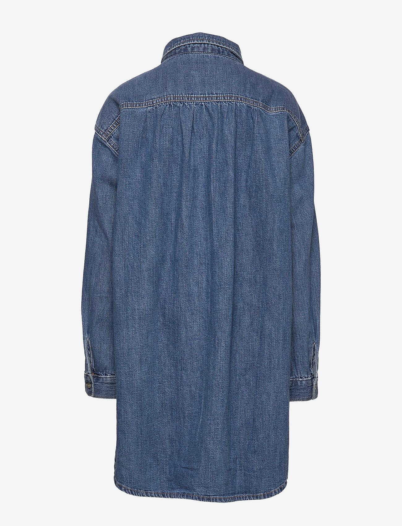 Kids Oversize Denim Shirt (Denim 616) (24.05 €) - GAP iokoc