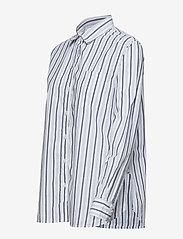 GAP - Stripe Boyfriend Shirt in Poplin - pitkähihaiset paidat - navy stripe - 2