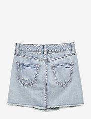 GAP - Kids Destructed Denim Skirt - röcke - light denim - 0