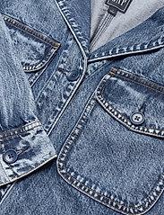GAP - Denim Shirt Jacket - denim jackets - medium indigo 20 - 2