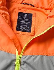 GAP - Kids 100% Recycled Polyester Colorblock Windbuster - windbreaker jassen - neon orange bolt - 2