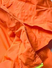 GAP - Kids 100% Recycled Polyester Colorblock Windbuster - windbreaker jassen - neon orange bolt - 4