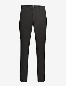 Modern Khakis in Slim Fit with GapFlex - SOFT BLACK V2