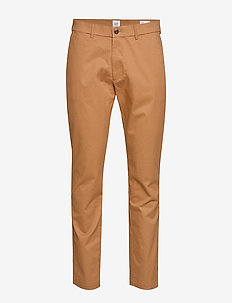 Modern Khakis in Slim Fit with GapFlex - chinot - winter ochre