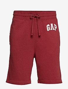 "9"" Gap Logo Fleece Shorts - INDIAN RED"