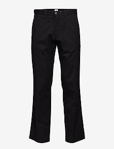 Original Khakis in Straight Fit with GapFlex - TRUE BLACK V2