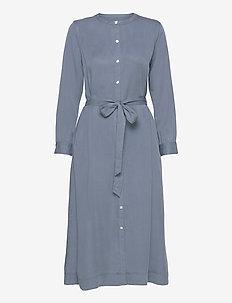 Button Front Midi Shirtdress in TENCEL™ - robes longeur du midi - light blue