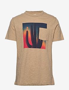 Graphic Pocket T-Shirt - CHINO ACADEMY