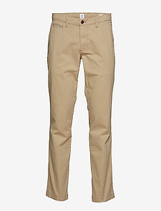 Vintage Khakis in Slim Fit with GapFlex - chinos - iconic khaki