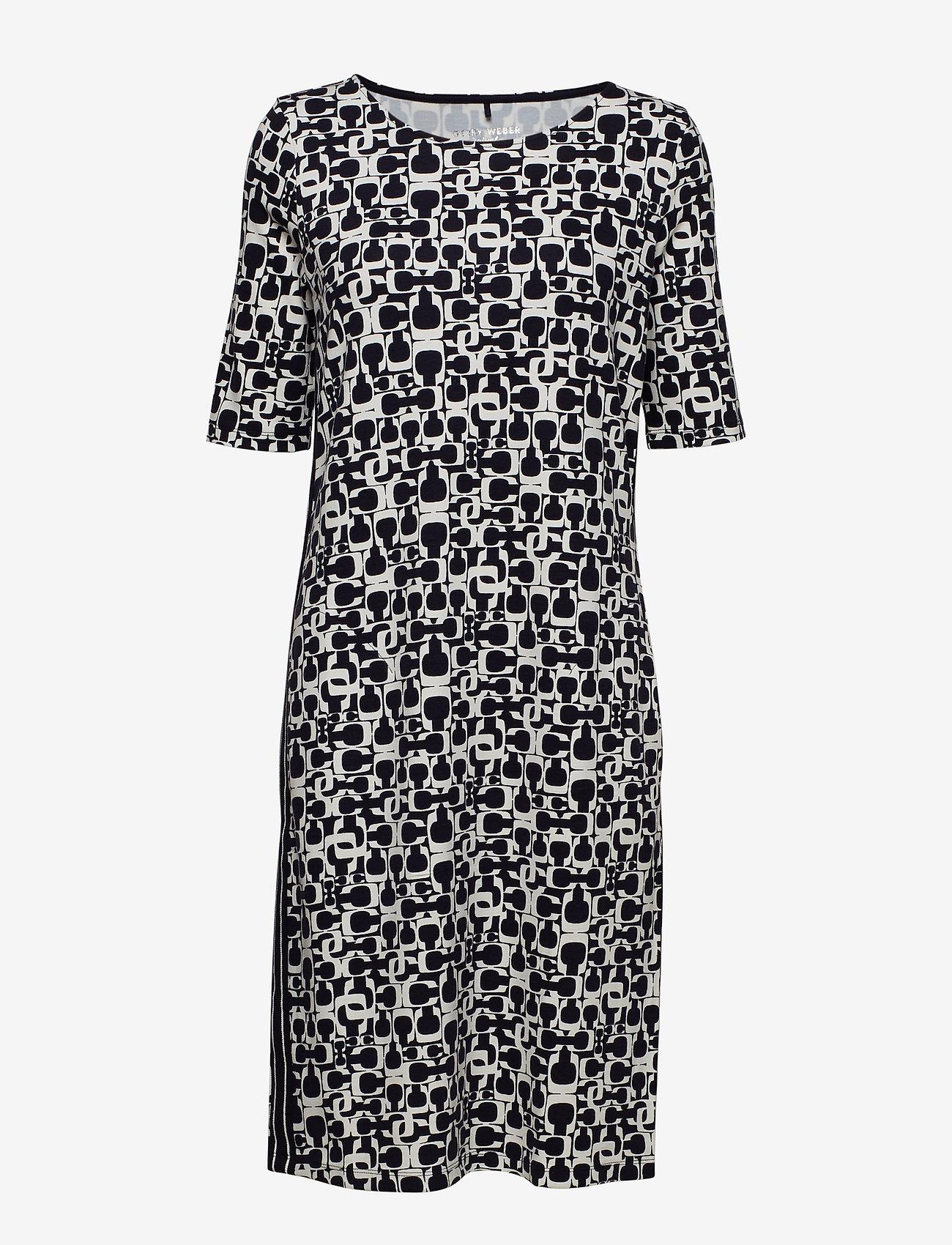 Gerry Weber Edition - DRESS KNITTED FABRIC - midi dresses - blue/ecru/white print