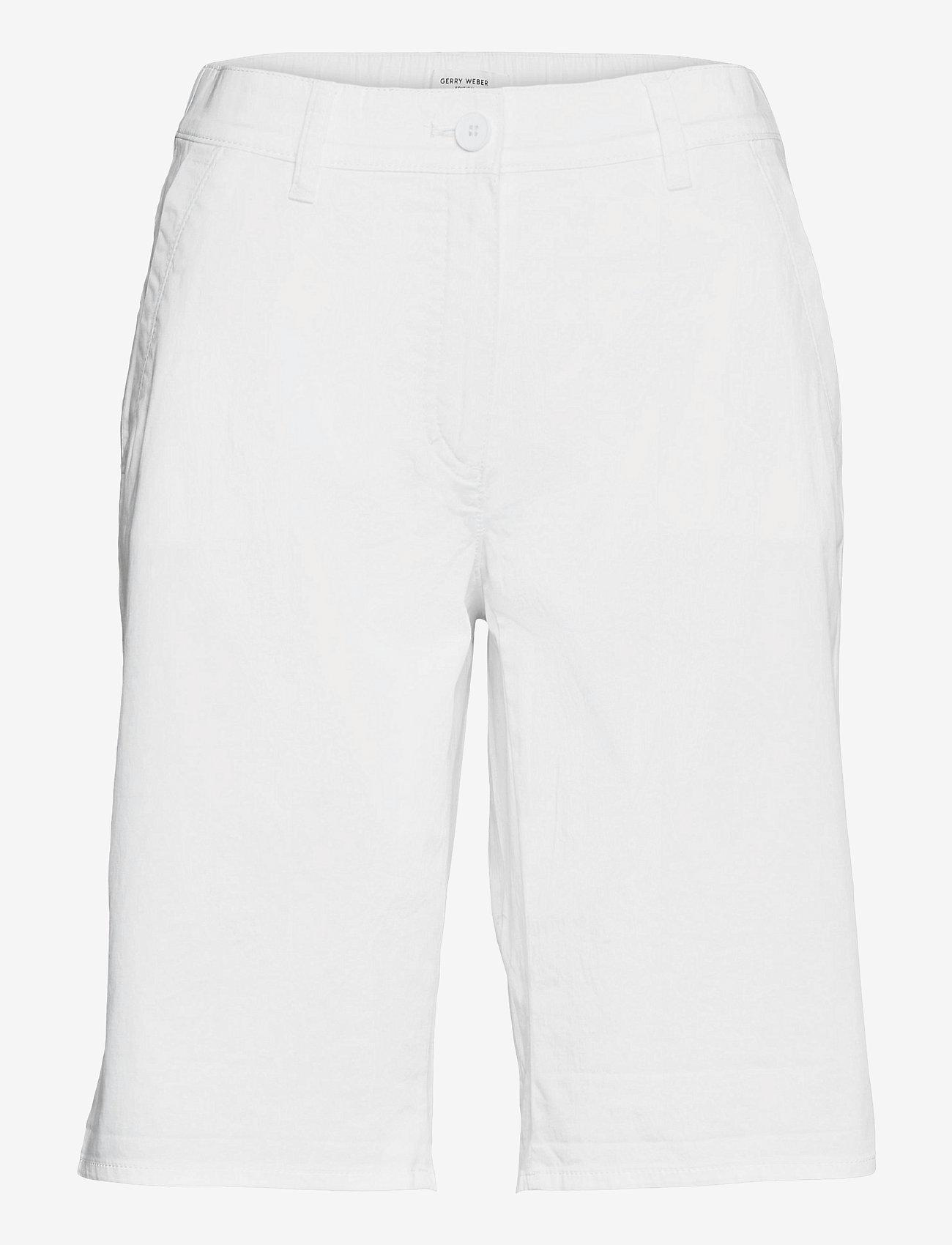 Gerry Weber Edition - CROP LEISURE TROUSER - bermudas - white/white - 0
