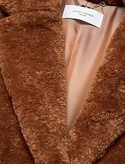 Gerry Weber Edition - COAT NOT WOOL - faux fur - haselnut - 3