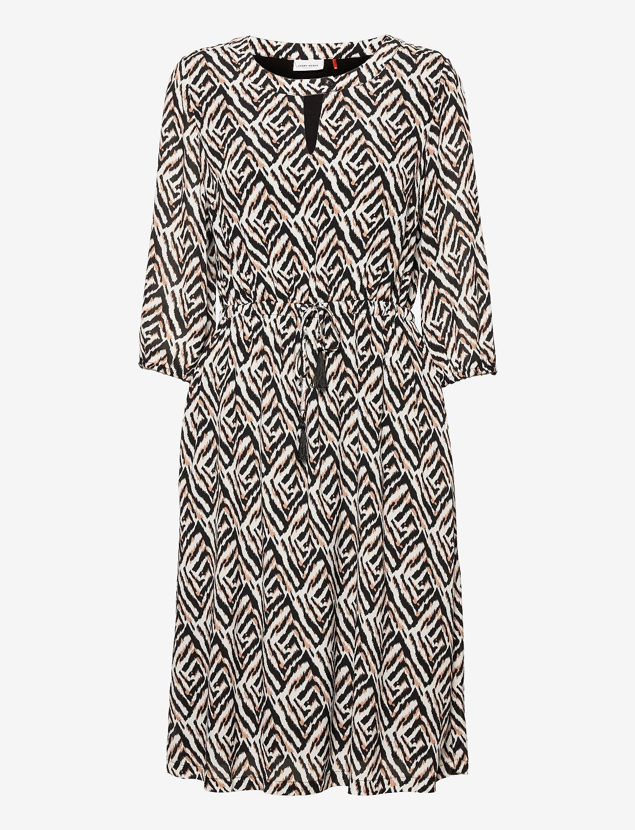 Gerry Weber - DRESS WOVEN FABRIC - robes d'été - ecru black sahara print - 0