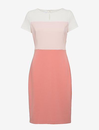 DRESS WOVEN FABRIC - fodralklänningar - pastel rose offwihte patch