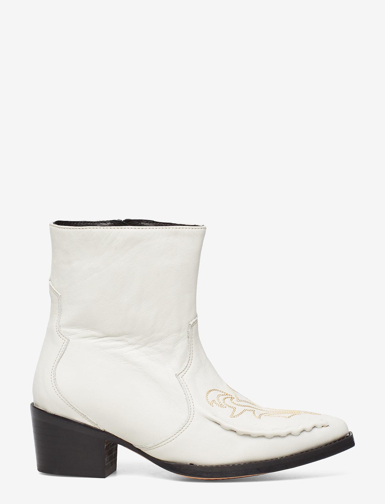 Emeliagz Boots Ao19 (Rainy Day) - Gestuz nnnTqi