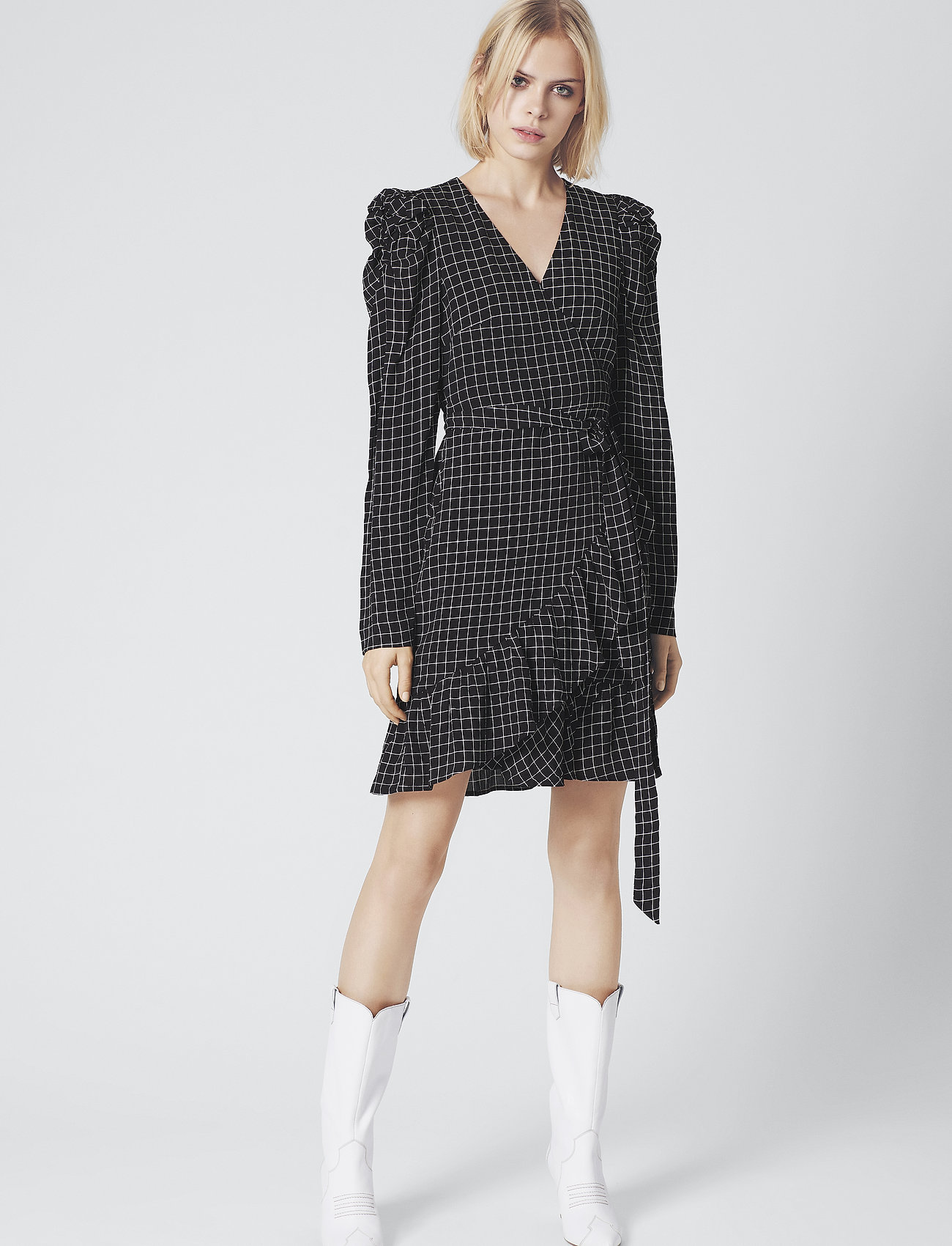 Gestuz - DeniceGZ wrap dress MA19 - kietaisumekot - black/white check