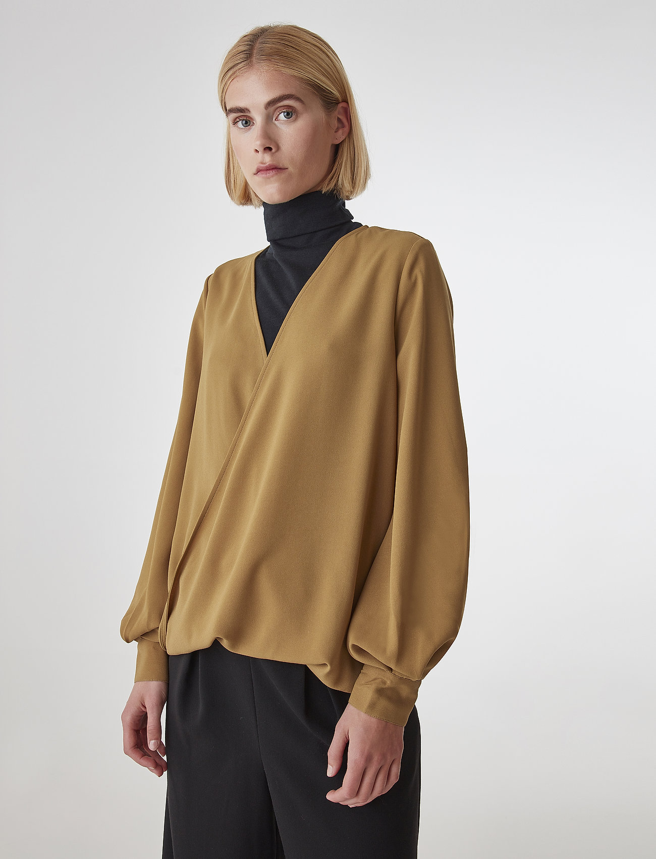 Gestuz - CeniaGZ wrap blouse SO20 - langærmede bluser - bone brown - 0