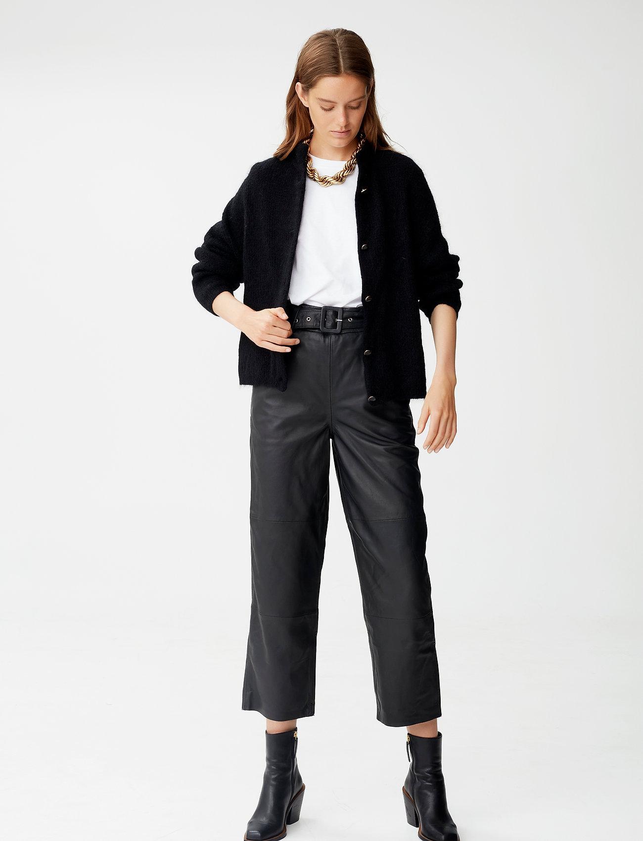 Gestuz - DebbieGZ short cardigan NOOS - cardigans - black - 0