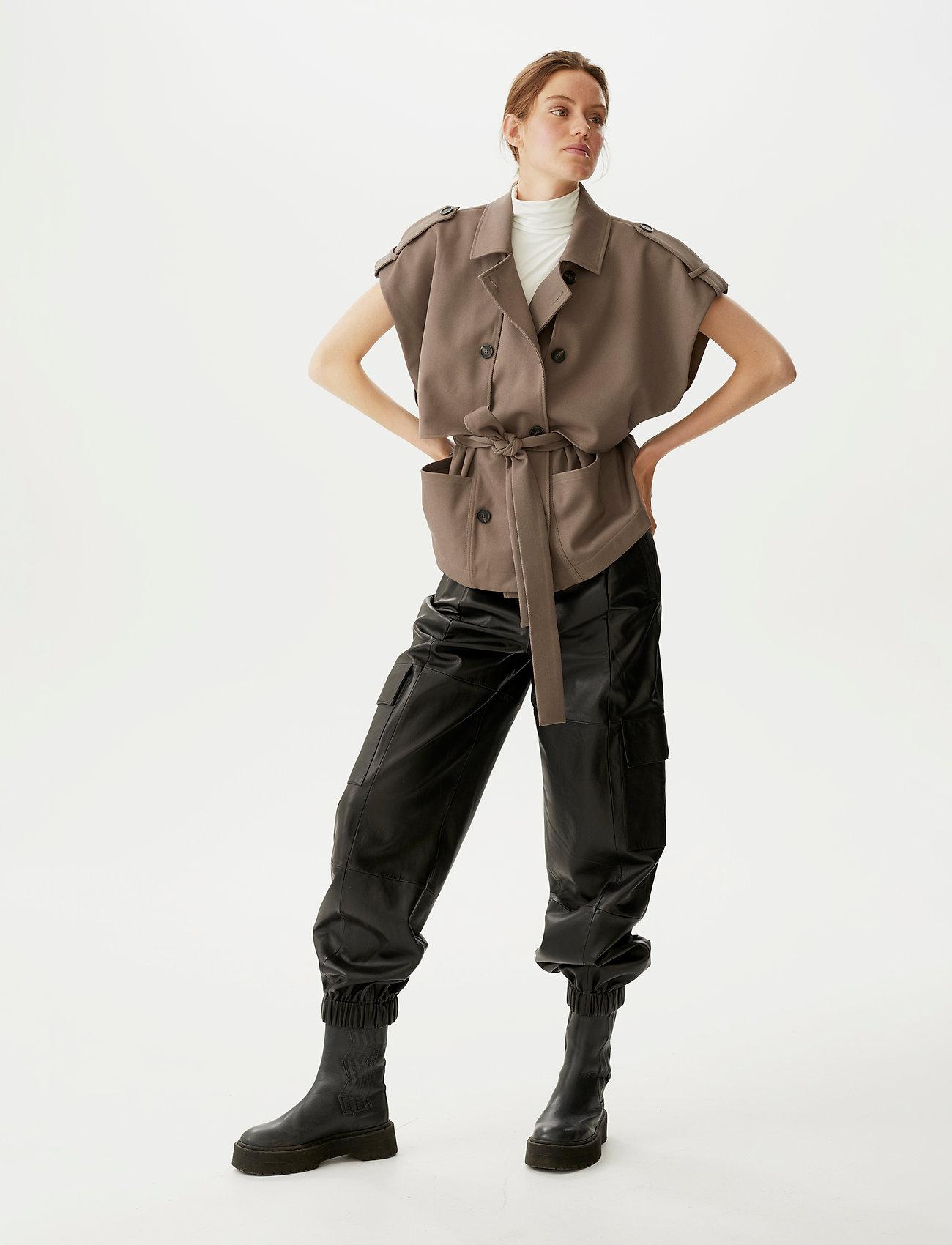 Gestuz - AbiGZ waistcoat SO21 - puffer vests - earth - 0