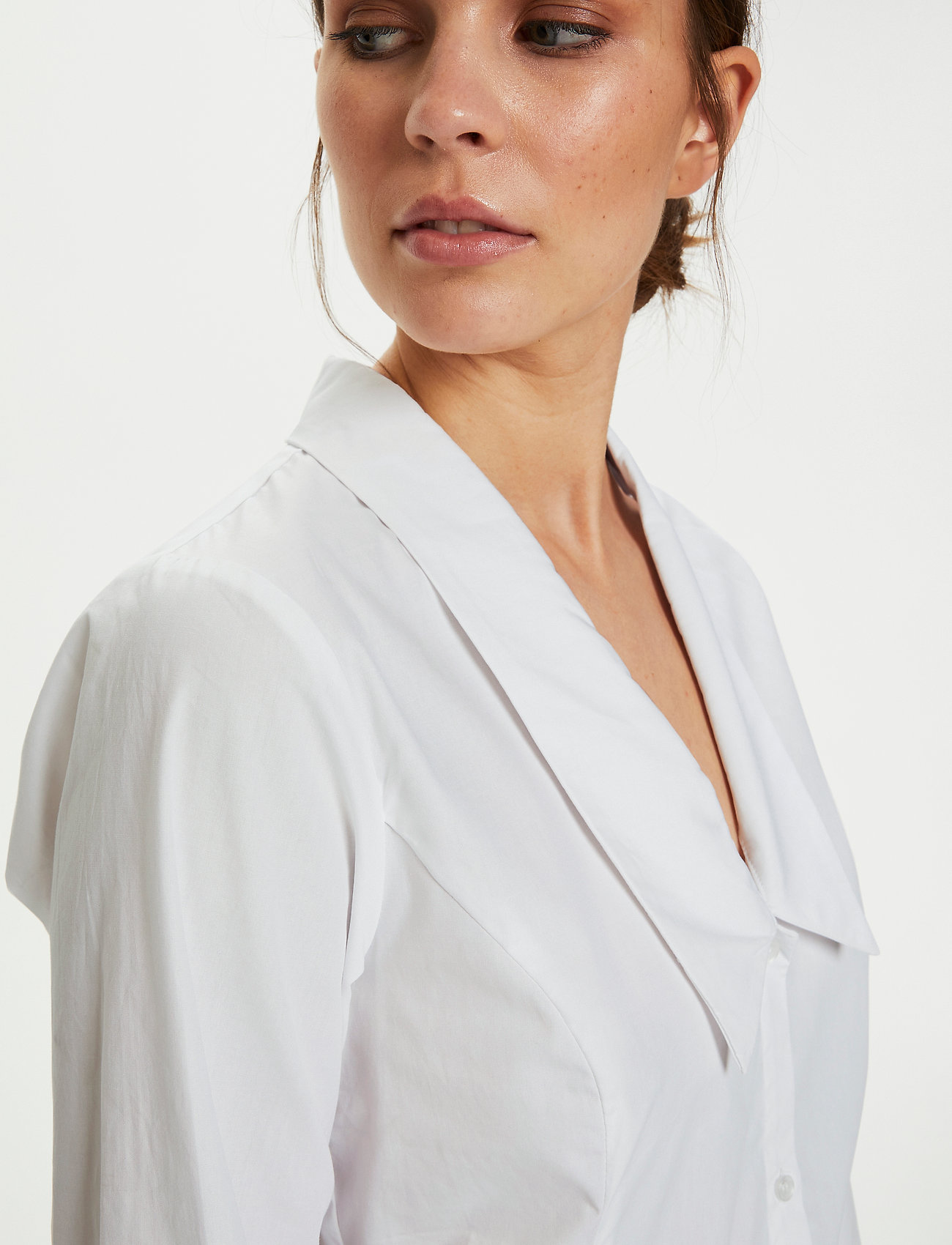 Gestuz - JilanGZ V-collar shirt MS21 - langærmede skjorter - bright white - 0
