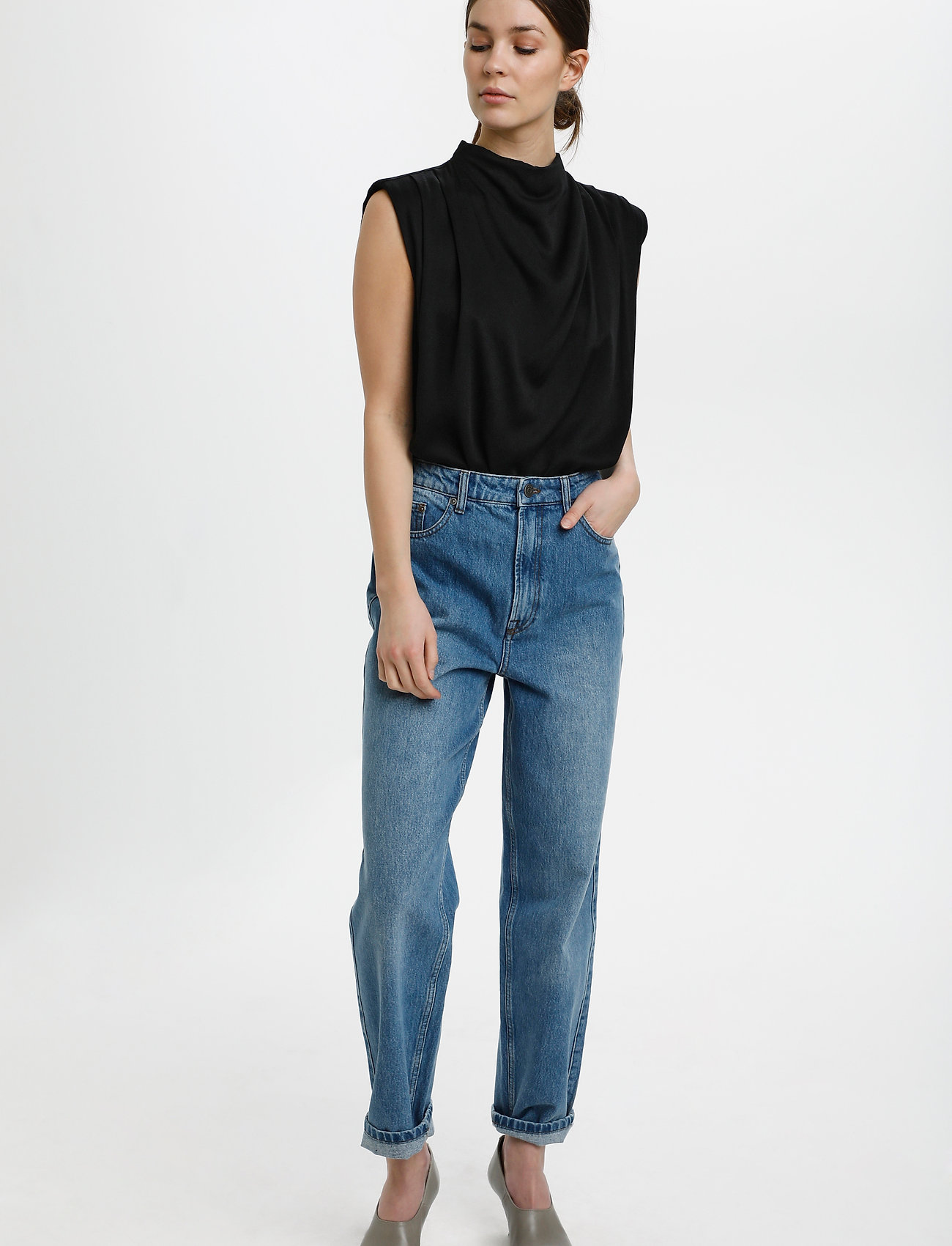 Gestuz - BertaGZ sl blouse - Ærmeløse bluser - black - 3