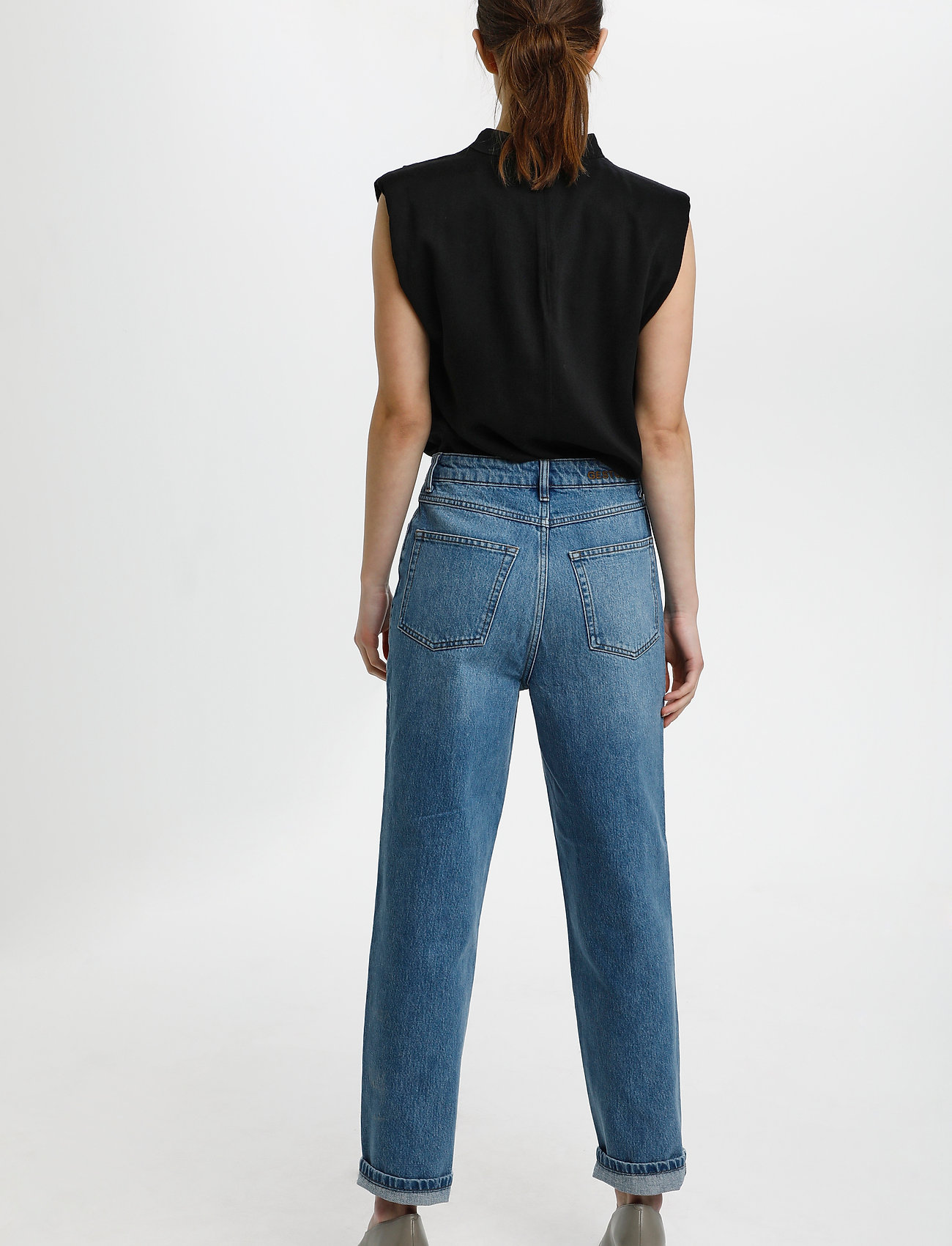 Gestuz - BertaGZ sl blouse - Ærmeløse bluser - black - 4