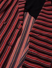 Gestuz - TillyGZ blazer AO19 - blazere - black multi stripe - 4