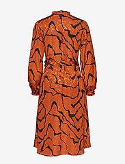 Gestuz - AylinGZ wrap dress MA19 - kietaisumekot - umber ripple - 1