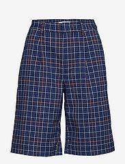 Gestuz - NiraGZ shorts MA19 - bermuda-shortsit - blue/umber check - 1
