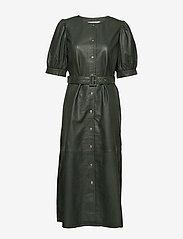 Gestuz - SuriGZ dress - juhlamekot - dark green - 1