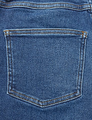 Gestuz - AstridGZ HW slim jeans NOOS - mom jeans - denim blue - 4