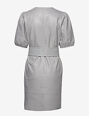 Gestuz - WalmaGZ dress YE19 - wrap dresses - alloy - 2